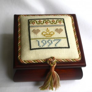 Crown Sampler on Hinged Wooden Box